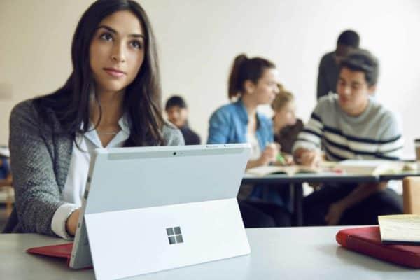 MicrosoftSurface_017_CR_Student-04423_VS_R1c